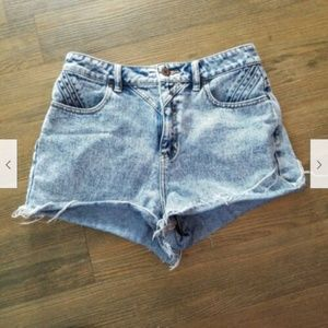 Bullhead Denim Size 9 Acid Wash Blue Jean Shorts